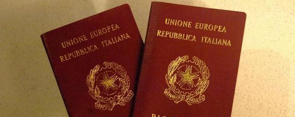 Rilascio passaporti, sempre più code Attivata una procedura d'urgenza
