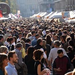 Calano gli abitanti in provincia di Bergamo 555 in meno nel 2015, giù gli stranieri
