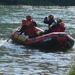 Risucchiati dalla corrente del fiume Paura a Villa d'Adda, tre soccorsi