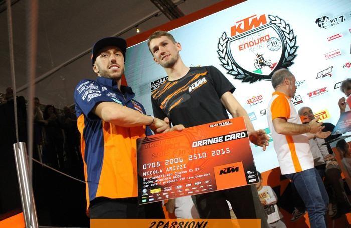 Il campione di motocross Tony Cairoli e Nicola Arizzi