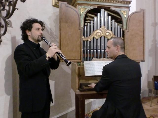 Estate in corte: 900 e dintorni. Duo Giupponi + Morzenti