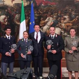 Sfilata di campioni a Palazzo Chigi Moioli porta la Coppa del Mondo a Renzi