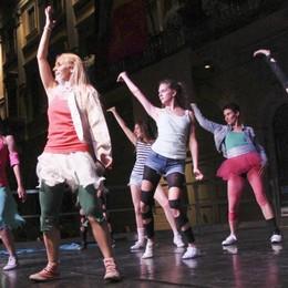 «Bergamo balla» rinviata al 23 giugno E per Christo vetrine impacchettate