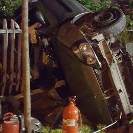 Suisio, auto  contro un cancello Muore 14enne di Bottanuco