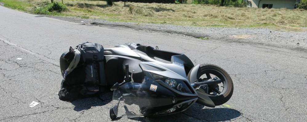 Cade dalla moto, parte l'elisoccorso Grave un centauro a Sovere