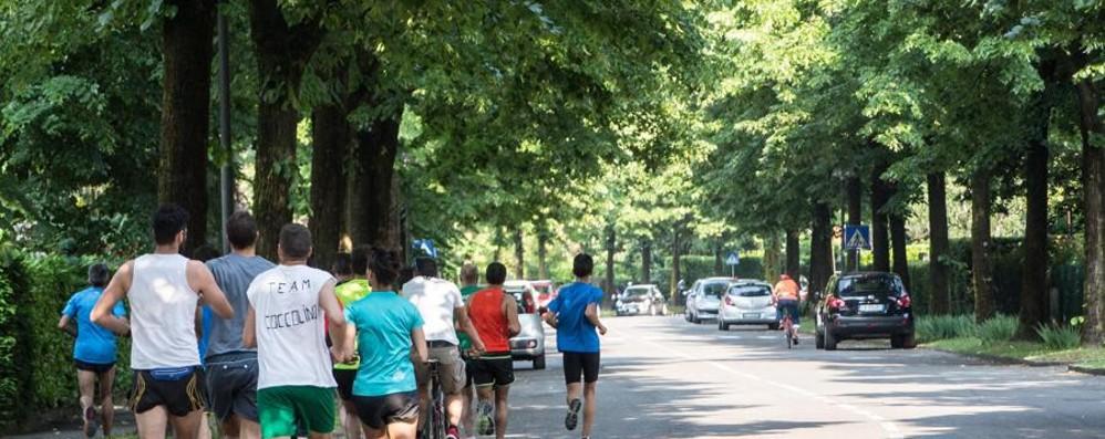 Sanzionati i primi runner al Baio  Il sindaco di Gorle: legge non rispettata