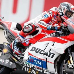 Dovizioso e la Ducati in pole ad Assen Rossi scatta da secondo. Flop spagnolo
