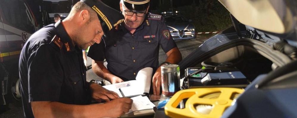 Controlli sulle strade nella Bassa In 7 positivi all'alcol, ritirate 9 patenti