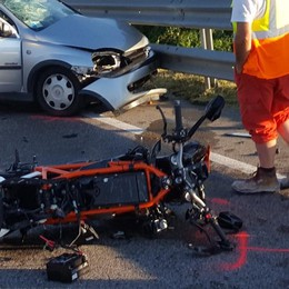 Brembate, schianto fra auto e moto Grave un giovane operaio di 28 anni