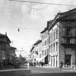 Uno scatto magico da via Camozzi e riappare la Bergamo scomparsa