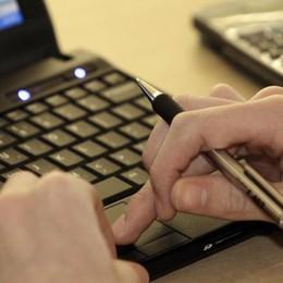 È esploso il commercio online: +151% In 6 anni quello tradizionale +0,83%