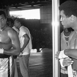 Muhammad Ali, il pugile leggenda Dal ring alla lotta contro il Parkinson