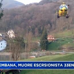 Val Brembana, escursionista scivola e muore