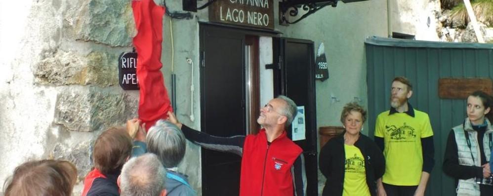 Alla capanna Lago Nero il ricordo di Aldo  diventa indelebile: posata una targa