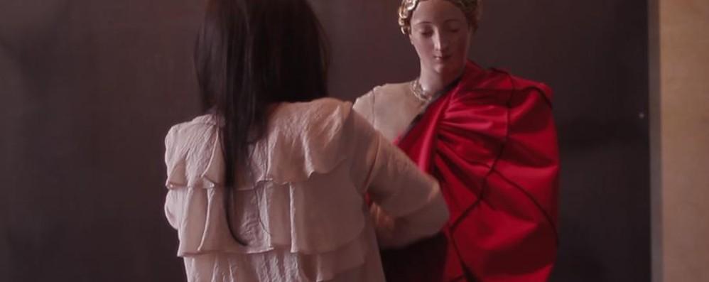L'antica pratica del vestire le madonne  D-Kola in una mostra al Bernareggi
