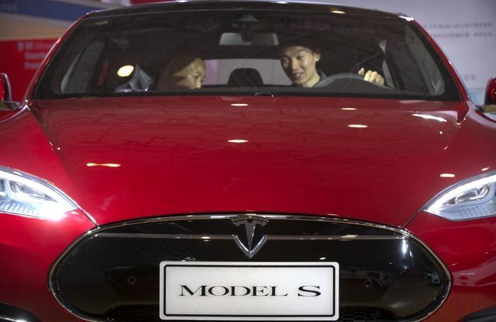 Una Tesla S