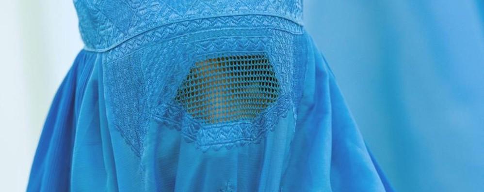 Legge anti-burqa in Canton Ticino Vietato dal 1° luglio nascondere il viso