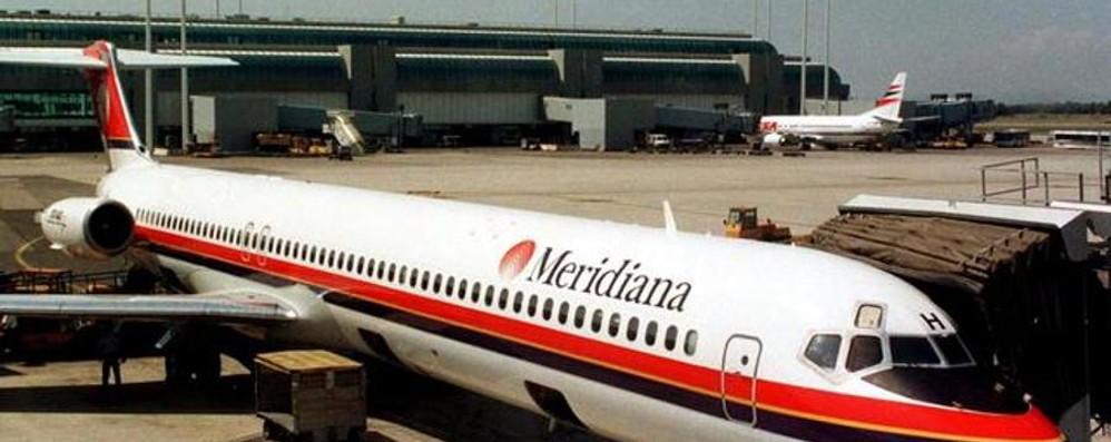 Piloti malati, saltano 26 voli Meridiana Molti tra  Olbia e Linate, anche due su  Orio