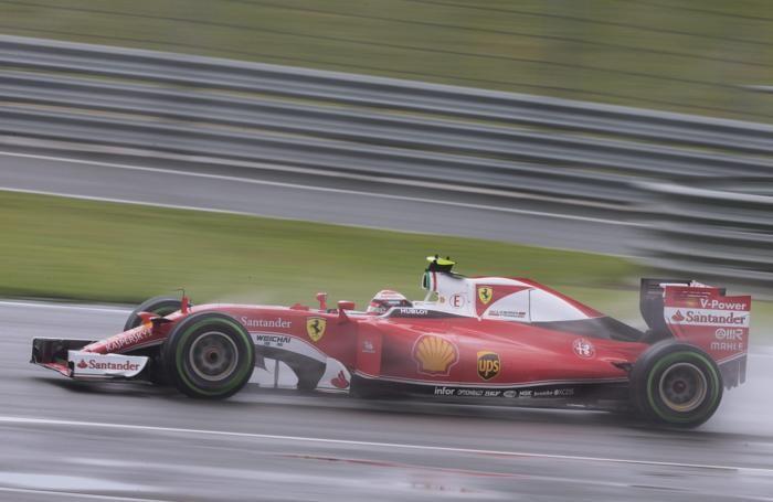 Kimi Raikkonen in azione a Silvestone