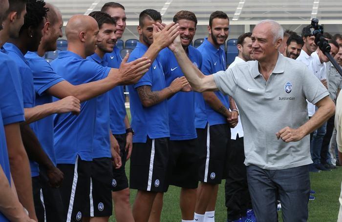 Il presidente Percassi saluta i giocatori
