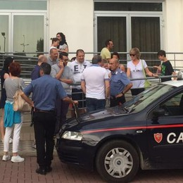 Aereo guasto, la rabbia dei passeggeri Il volo per Salonicco è previsto alle 19