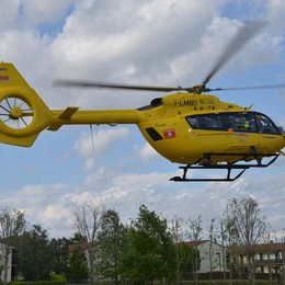Cade in minimoto, grave bimbo di 6 anni Portato in elicottero al Papa Giovanni