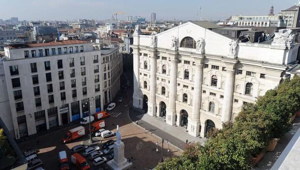Borsa: Milano apre in calo (-0,6%)