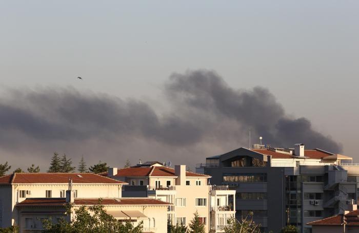 Fumo dal palazzo presidenziale ad Ankara