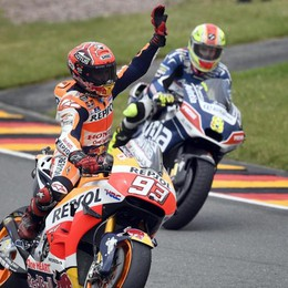 MotoGp, Marquez vince in Germania Rossi sbaglia strategia, è solo ottavo