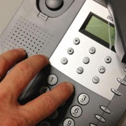 «Ti scade il contratto», ma è una bufala Tornano i furbetti del telefono: allerta