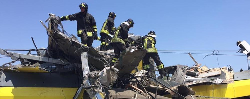 Lo schianto fra i treni, strage in Puglia 27 morti,  bergamasco tra i dispersi - Foto