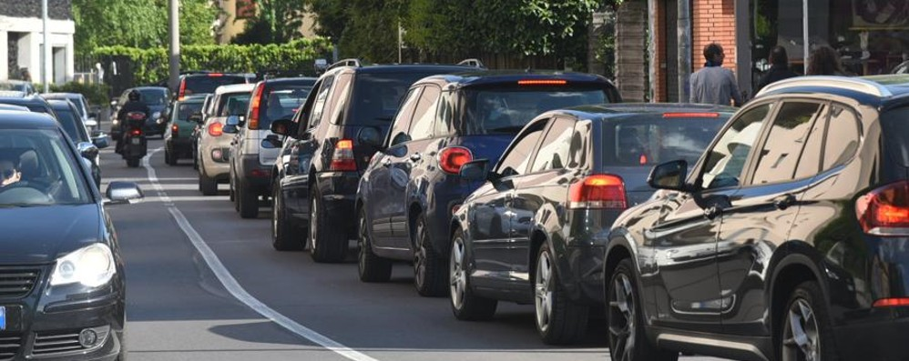Volete evitare code e incidenti? Ecco le news sul traffico in diretta