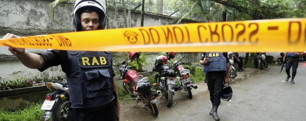 Strage di italiani a Dacca, in Bangladesh Uccisi in un ristorante da miliziani dell'Isis