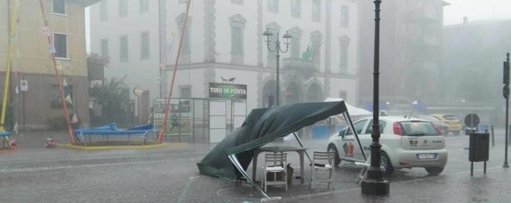 Vento e pioggia, riecco i temporali  Allagamenti e piante cadute - Video