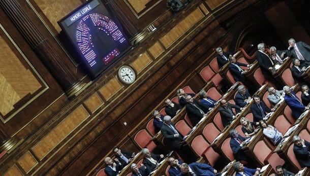 Pizzetti (Pd), M5s salva Berlusconi
