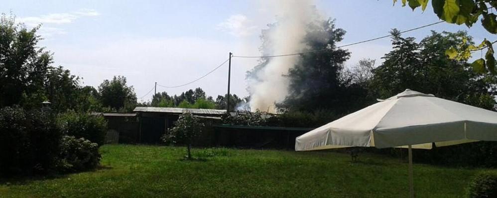Brucia un capanno a Urgnano  77enne   soccorso da un passante