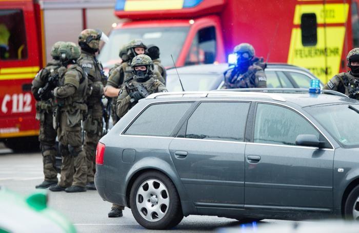 Forze speciali sulla scena dell'attentato