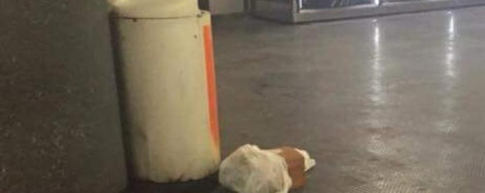Milano, cessato l'allarme  bomba in metrò  Disagi per i pendolari, bus sostitutivi