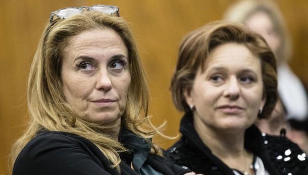 Rai: M5s,Renzi responsabile megastipendi