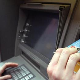 Attenzione alla «truffa del bancomat» Ecco come funziona - il video