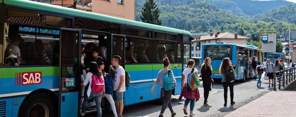 Ripristinato il bus estivo eliminato   Esultano gli abitanti di Foresto e Adrara