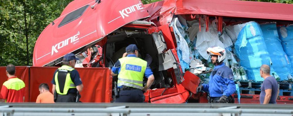 Incidente in Ticino, autista grave  Ci sono dubbi sul semaforo