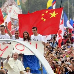 Il Papa ai giovani: «Volete una vita piena? Cominciate a lasciarvi commuovere»
