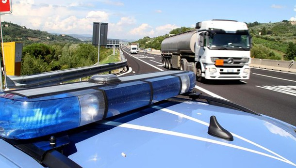 Camionista ucciso in A1, fermato collega