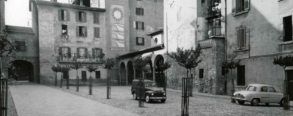 Piazza Angelini, il «passaggio segreto» e l'ingegnere che ridisegnò Città Alta