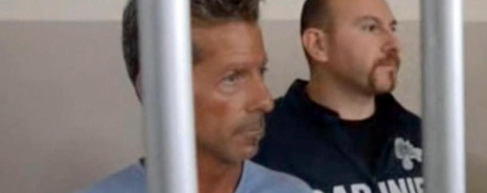 Bossetti, prima notte dopo l'ergastolo L'avvocato Salvagni: «È disperato»