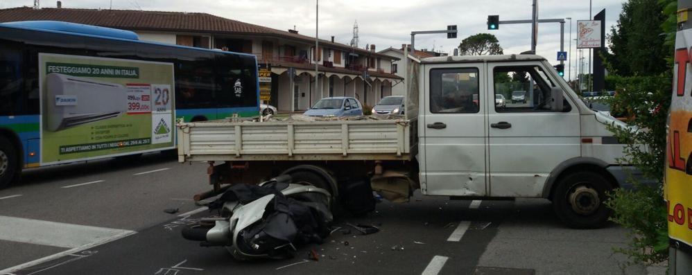 Scontro a San Paolo d'Argon Grave un 42enne in moto