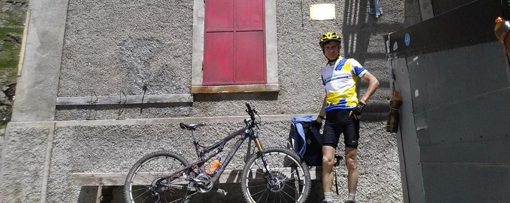 In bici da Bergamo a Roma per promuovere la lingua dei segni