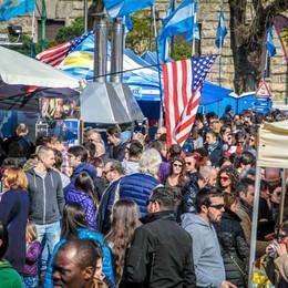 Piazzale Alpini, torna lo street food Da venerdì a domenica cibo dal mondo