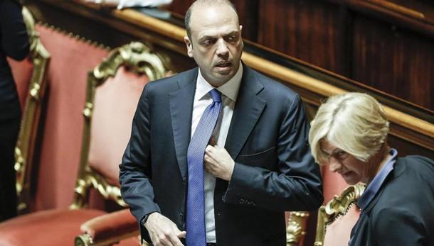 Alfano vede i suoi, escluse dimissioni